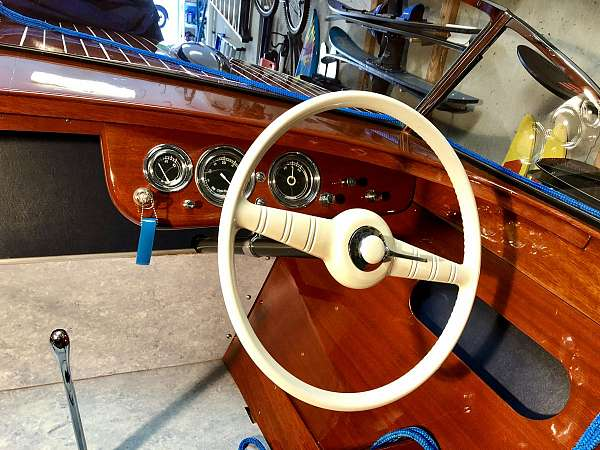 chris-craft-classic-boat-for-sale